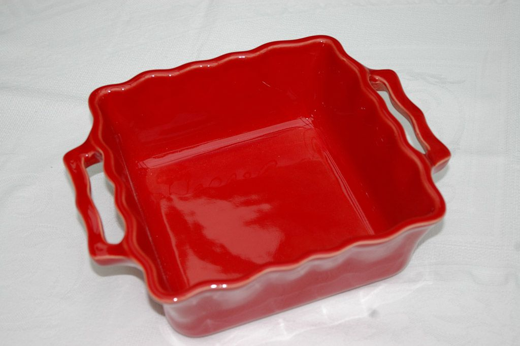 Délices - Plat four carré en Céramique cerise pour 20€