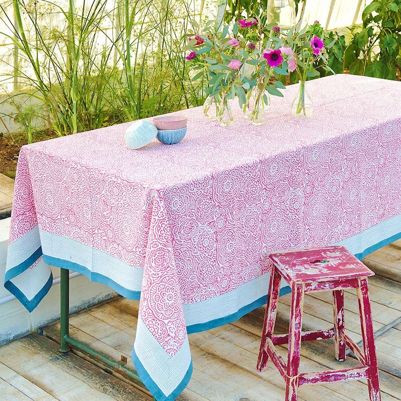Santa Rosa - Nappe rectangle esprit etchnique rose et bleu