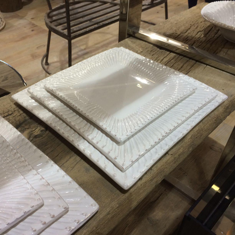 Paris - Assiette de présentation  carrée en faience décor renaissance