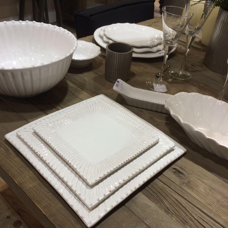 Paris - Assiette plate carrée en faience décor renaissance  (par2)