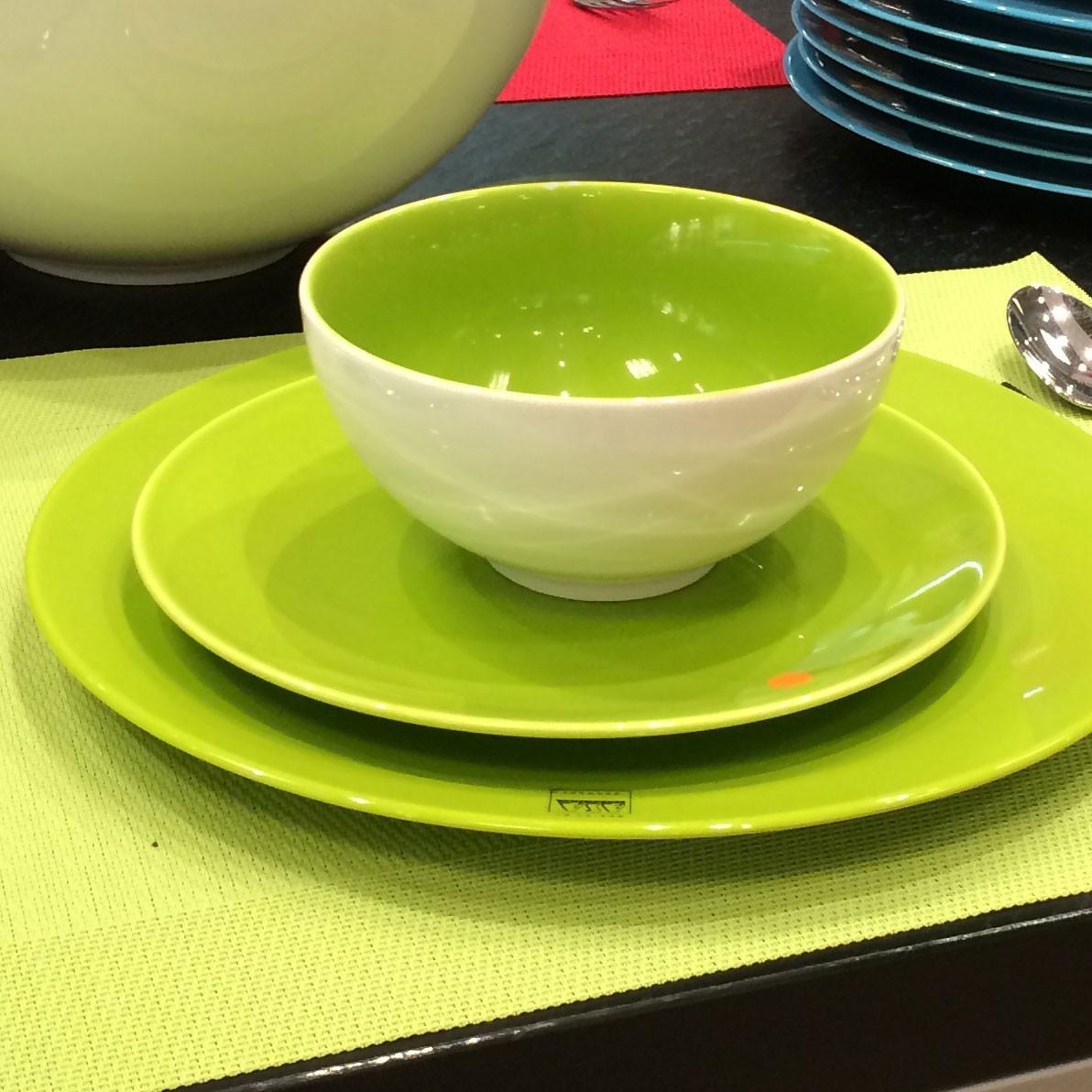 colors it assiette calote vert kiwi porcelaine par 2. Black Bedroom Furniture Sets. Home Design Ideas